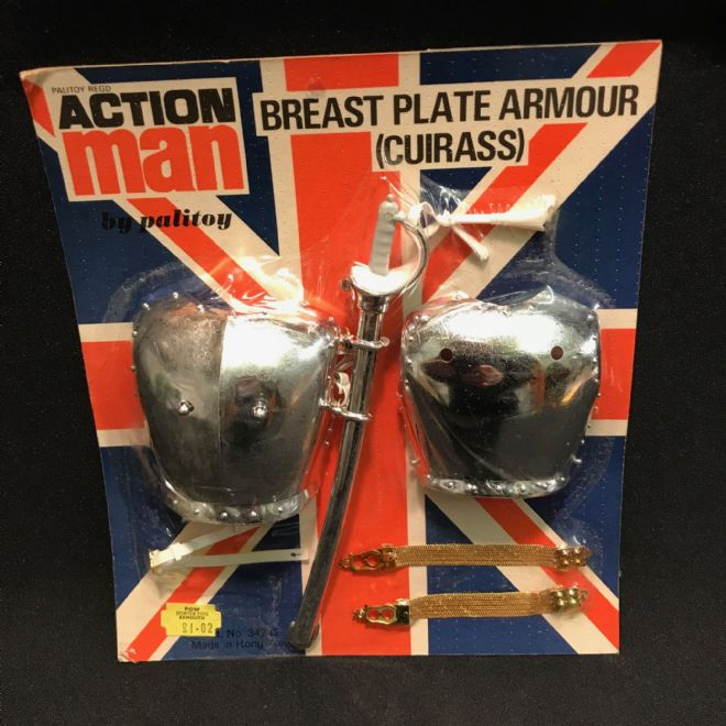 ACTION MAN - BREAST PLATE ARMOUR (CUIRASS)  - VINTAGE CARDED (ref2)